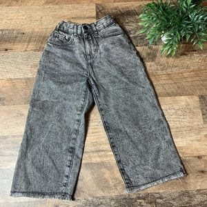 Zara Cropped Jeans Black Faded Wash Size 6